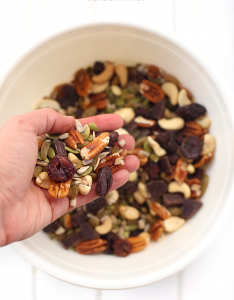 How-To-Build-Healthy-Trail-Mix-5